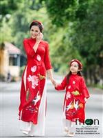 Đẹp dịu dàng với áo dài cho mẹ của Moon Xinh