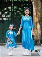 Giới thiệu áo dài lụa tơ tằm đẹp nhất của Moon Xinh