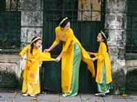 Đón lộc đầu năm với bộ sưu tập áo dài đôi cho mẹ và bé của Moom Xinh