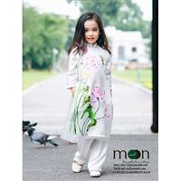 Áo dài lụa Vạn Phúc cho bé gái ưa chuộng nhất tại Moon Xinh