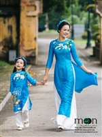 Xuân sang rực rỡ với bộ sưu tập áo dài đôi cho mẹ và bé mới nhất 2018 của Moon Xinh