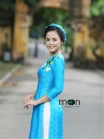 Áo dài Việt cho sắc thu nhẹ nhàng