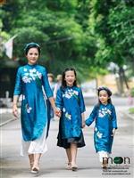 10 gợi ý áo dài đôi cho mẹ và con gái xuân 2018