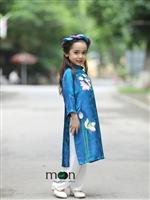 Áo dài cho con gái yêu xinh xắn dự khai giảng
