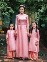 10 sản phẩm áo dài đôi cho mẹ và bé hot nhất dịp tết Mậu Tuất của Moon Xinh