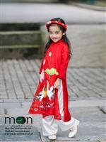 Mẫu nhí Chu Diệp Anh mặc áo dài cực đẹp để tạm biệt búp bê thân yêu