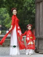 Áo dài đôi cho mẹ và bé đón gió thu