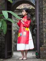 Cho bé gái diện áo dài tết chất như Bảo An và Chu Diệp Anh nhé