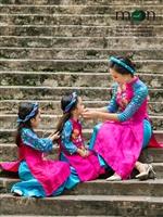 Áo dài tuyệt đẹp cho mẹ và con gái yêu của Moon Xinh đón tết Mậu Tuất 2018