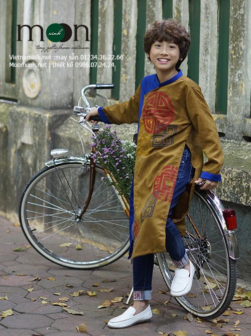 Bộ Sưu Tập áo dài vẽ cho bé trai sành điệu