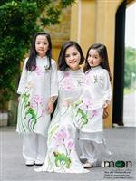 Áo dài đôi cho hai mẹ con dạo phố xinh đẹp