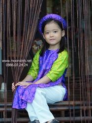 Áo dài bé gái lụa tơ tằm màu tím pha xanh cốm