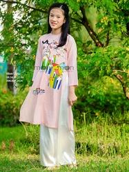 Áo dài vẽ bé gái Góc phố năm xưa hồng phấn MX.207