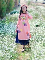 Áo dài cách tân trẻ em - Thô hồng phấn vẽ họa tiết hoa đào và con gà
